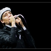 17_25-the-hives-27_08_2010-oo