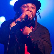 skindred11_web