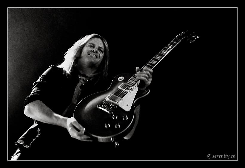 067-whitesnake-02_12_2011-oo