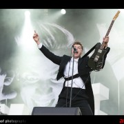 0301-the-hives-01