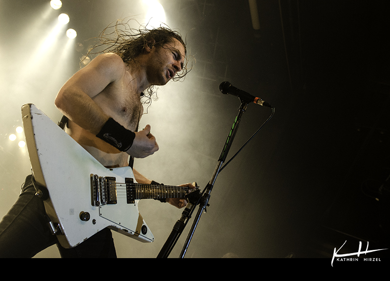 03_airbourne_001
