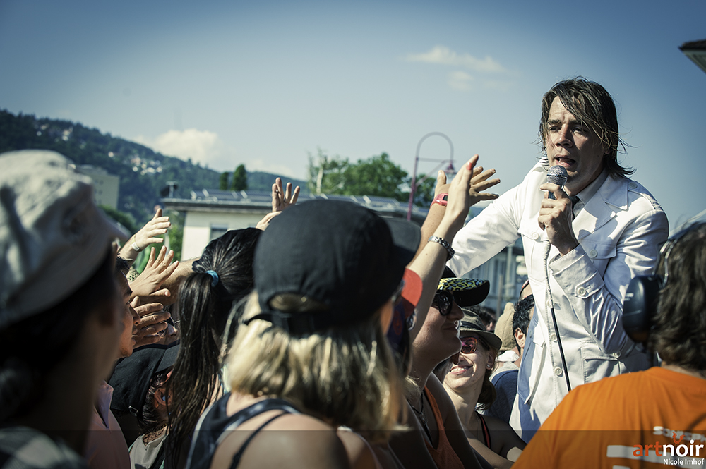01-the-hives-6