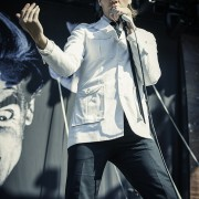 01-the-hives-1
