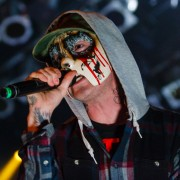 01-hollywoodundead-03
