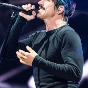104-red-hot-chili-peppers-ni-2
