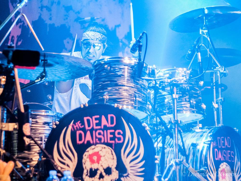 02-the-dead-daisies-21