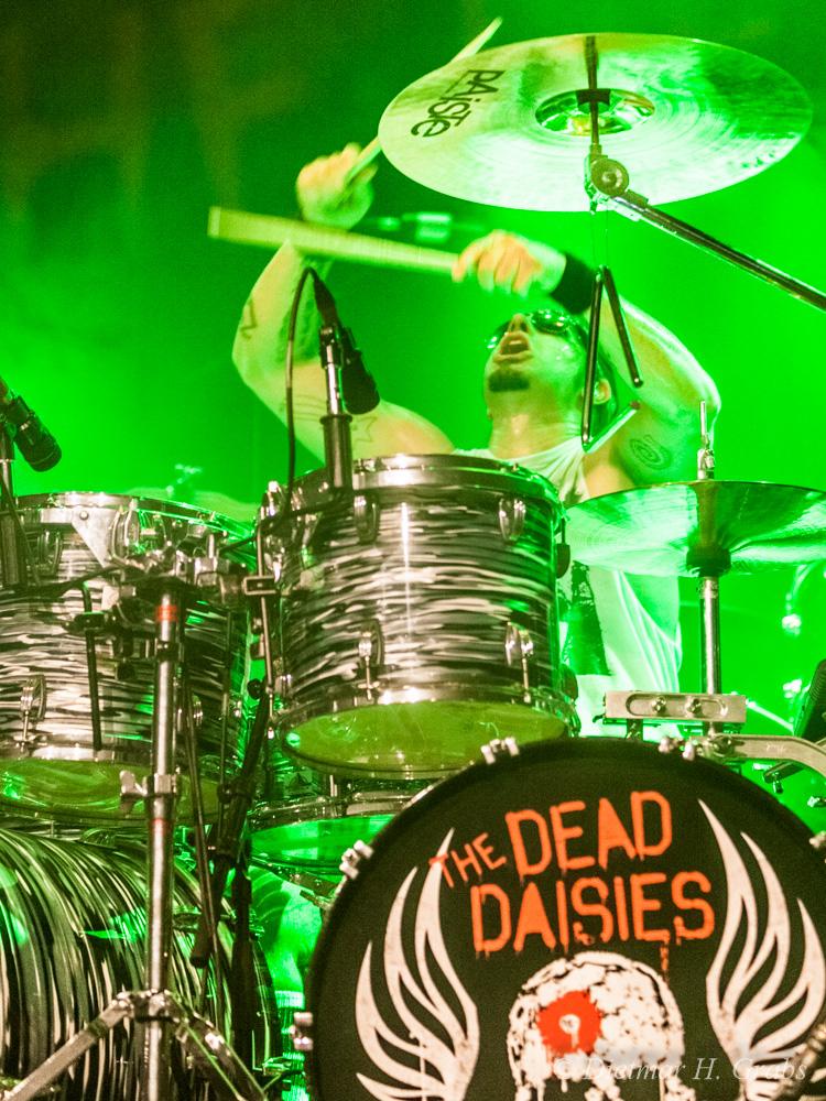 02-the-dead-daisies-47