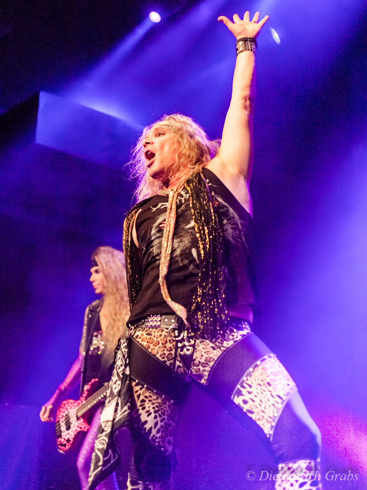 03-steel-panther-07