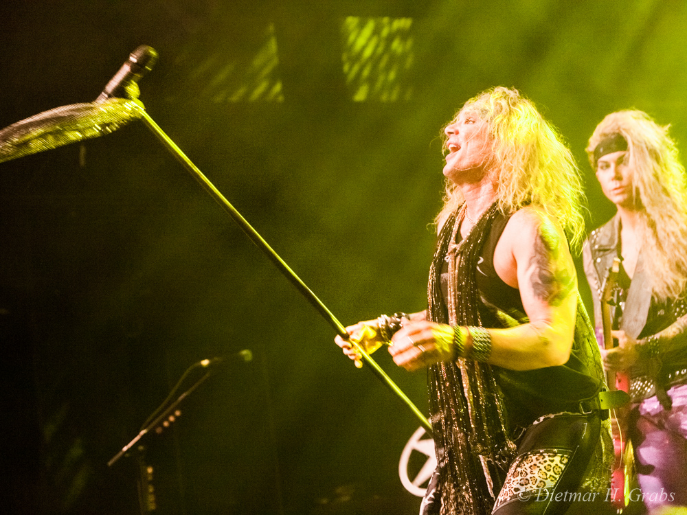 03-steel-panther-20