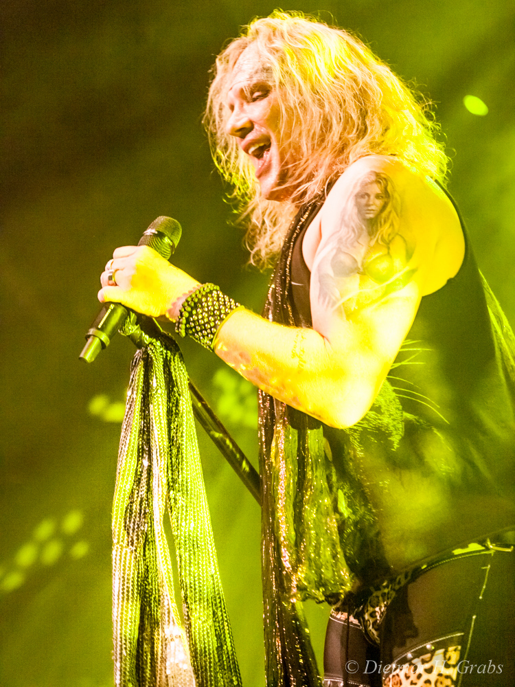 03-steel-panther-22