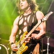 03-steel-panther-24