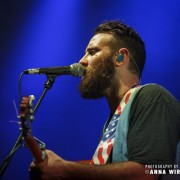 06_the-strumbellas_04