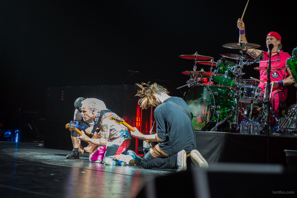 01_red_hot_chili_peppers_02