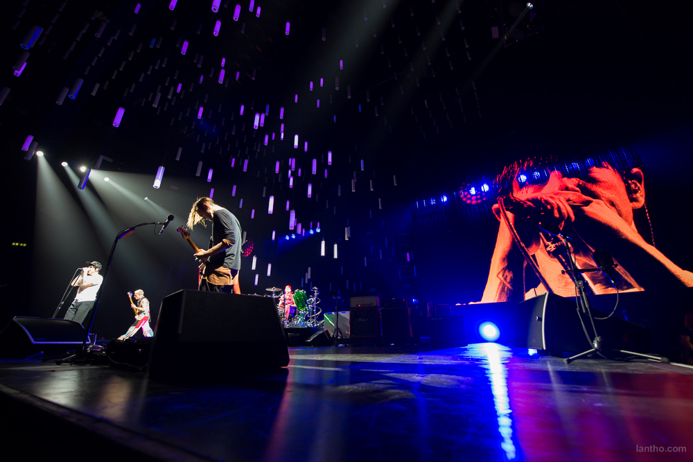 01_red_hot_chili_peppers_15