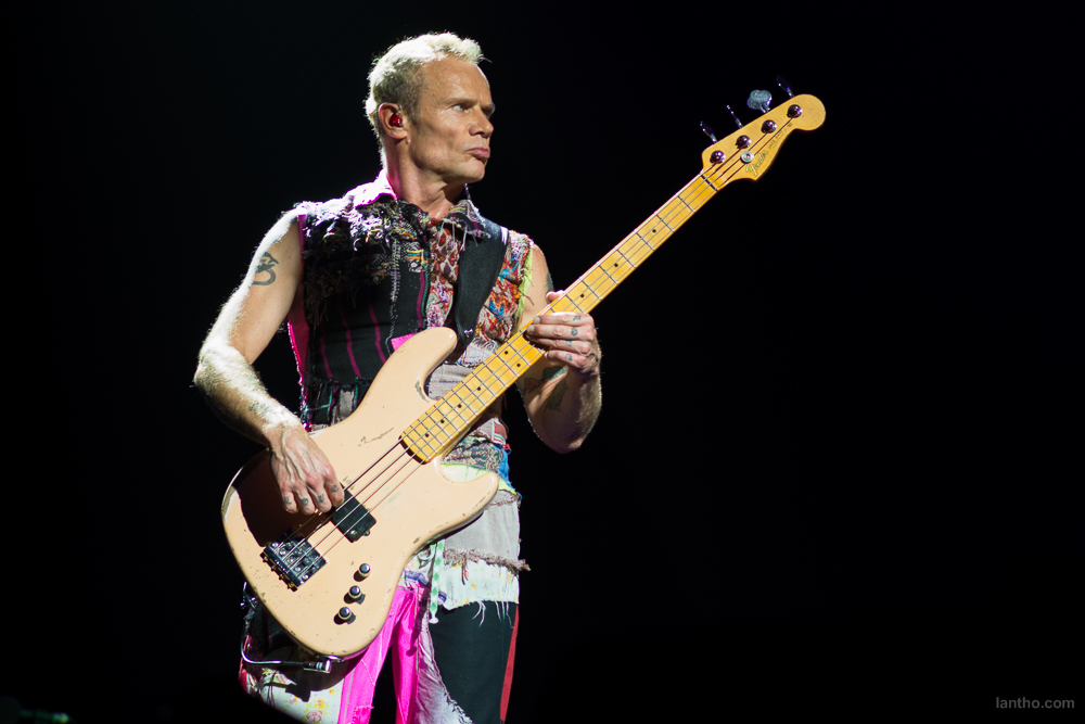 01_red_hot_chili_peppers_19