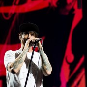 01_red_hot_chili_peppers_17