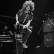 02-wolfmother-18