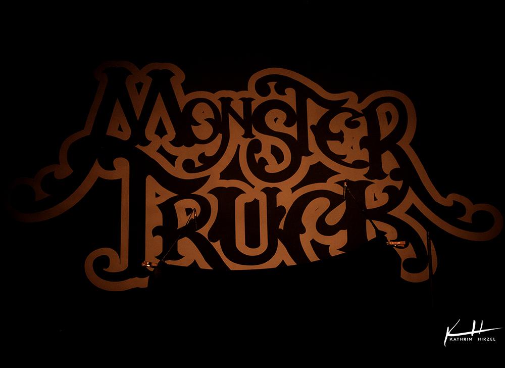 02-monster-truck-001