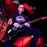 02_alterbridge11