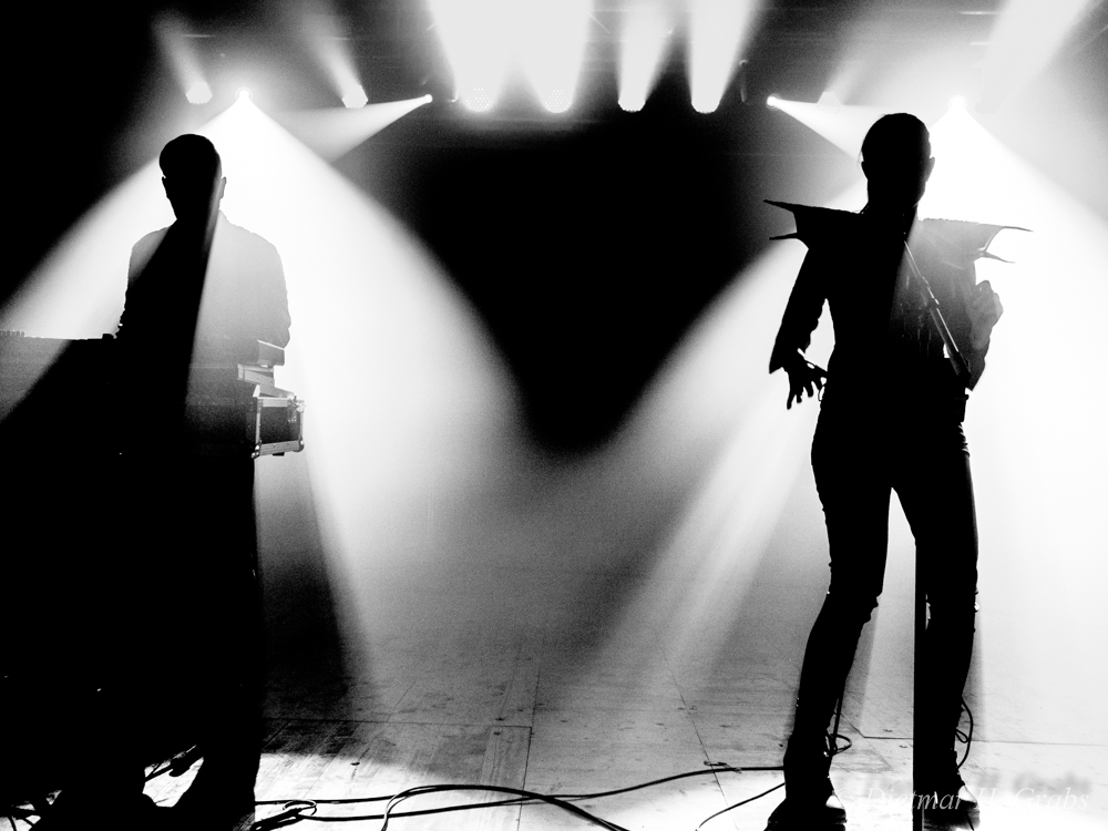 01-black-nail-cabaret-16