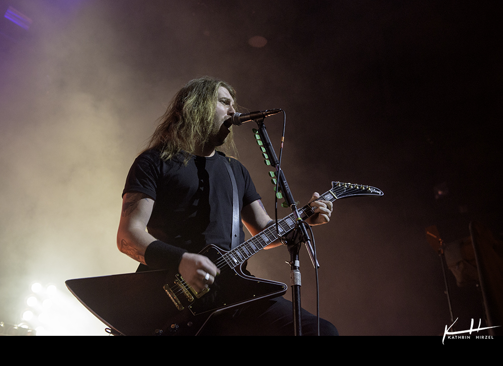02-airbourne-03