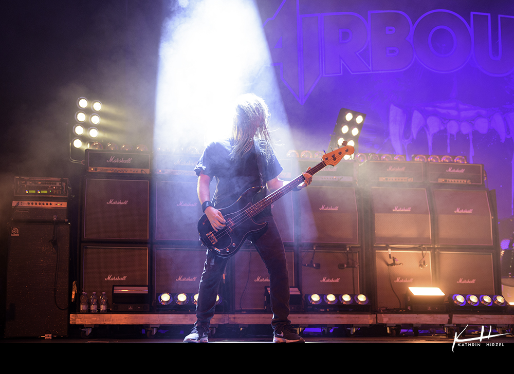 02-airbourne-16