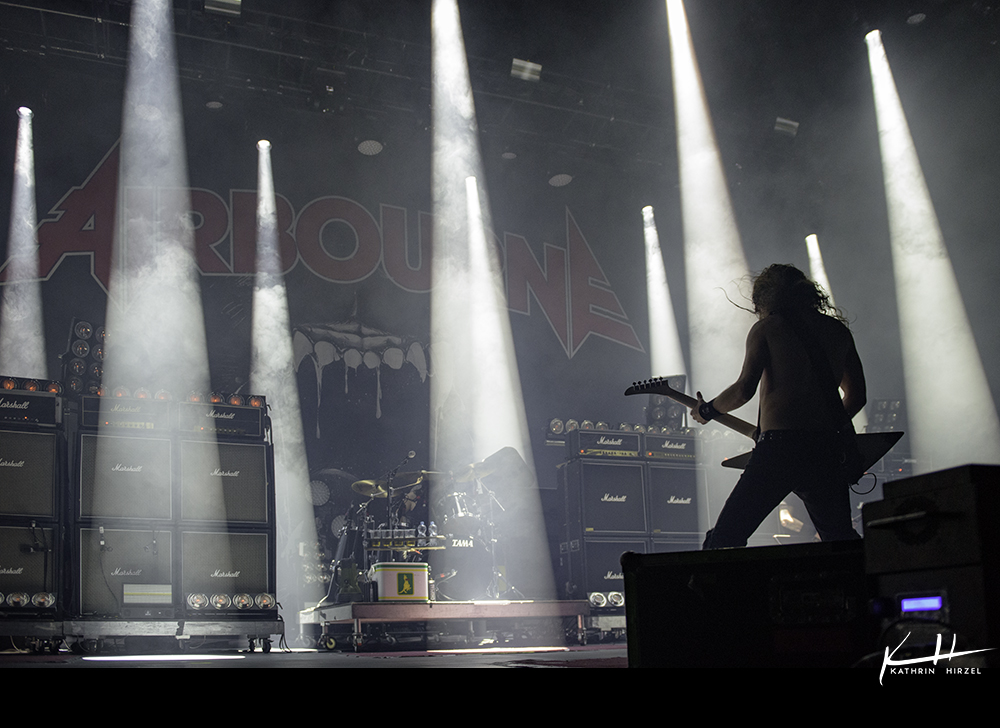 02-airbourne-19