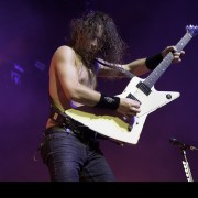 02-airbourne-07