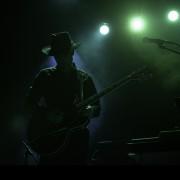 01-dark-horses-001