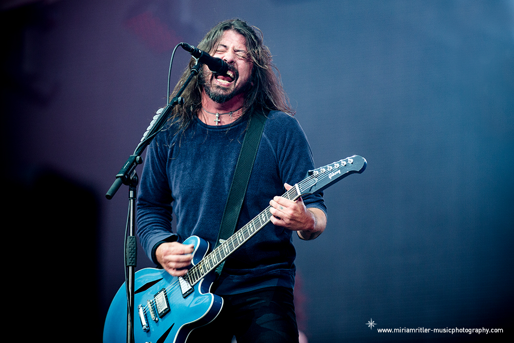 03_foofighters09