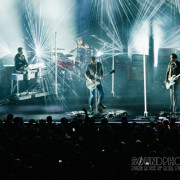 02-queens-of-the-stoneage-03