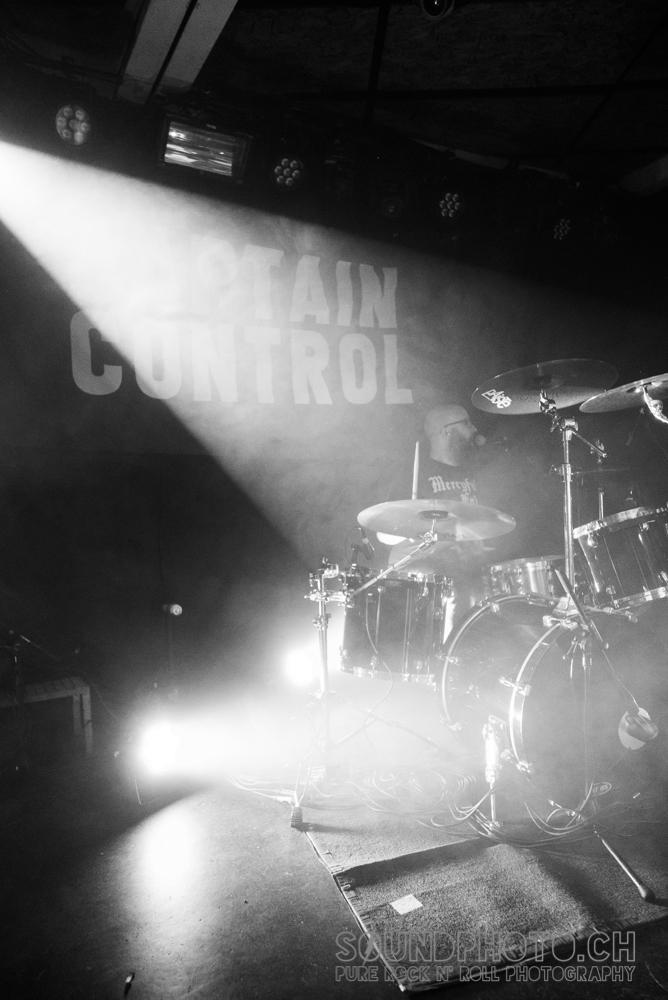 02-captain-control-21