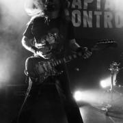 02-captain-control-08
