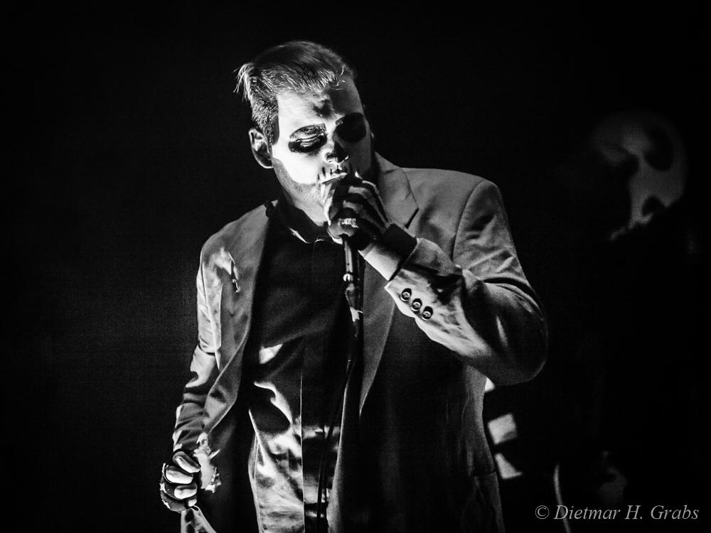 01-johnny-deathshadow-02