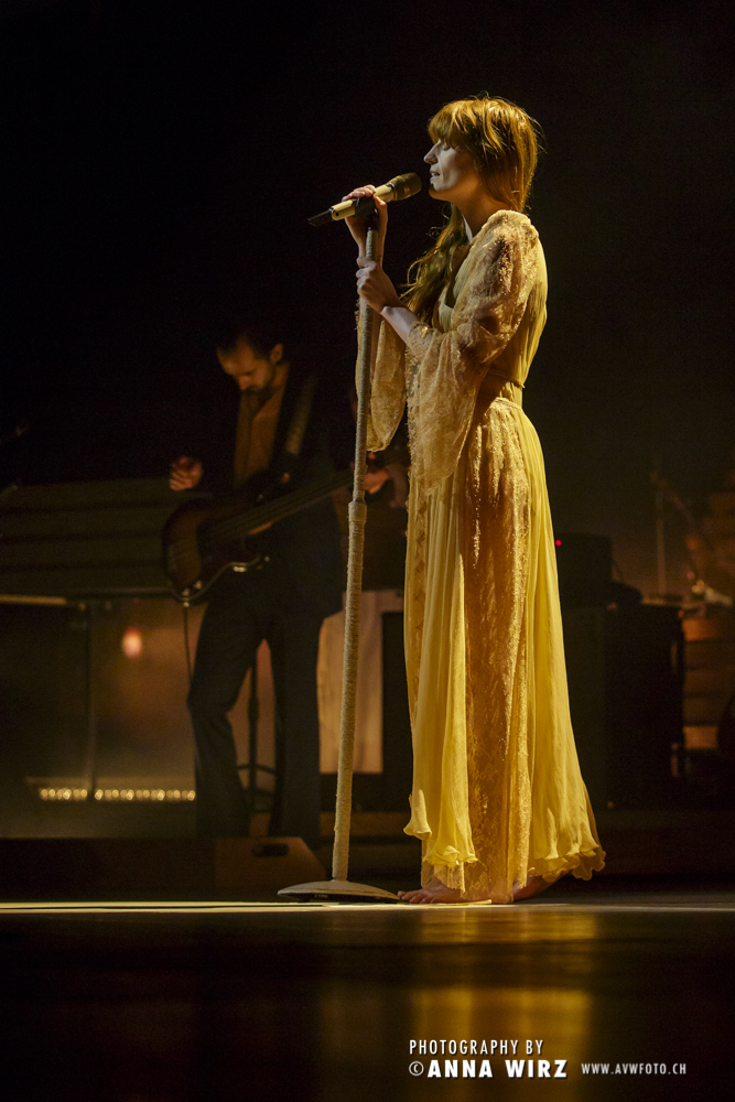 02_florence-and-the-machine-02