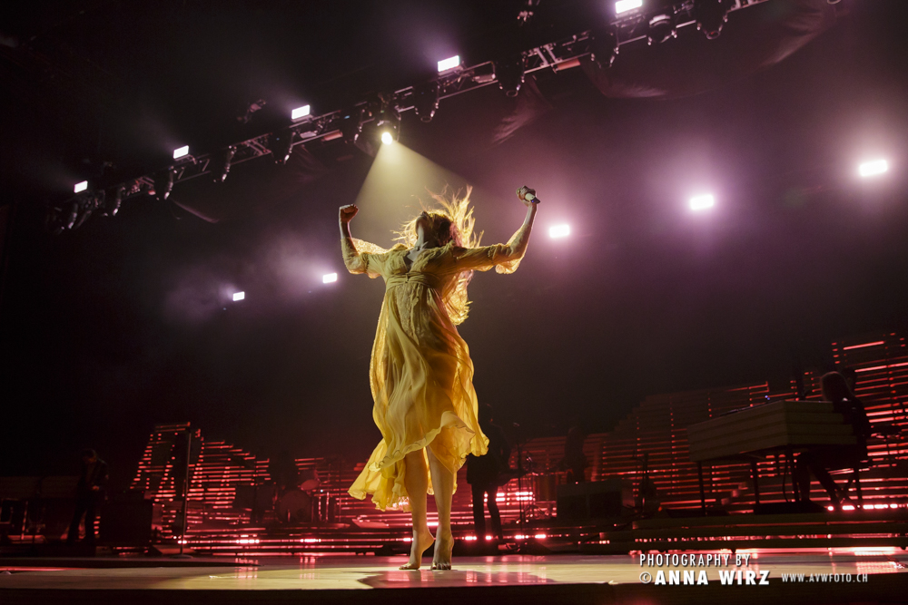 02_florence-and-the-machine-03
