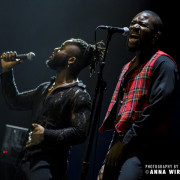 01_young-fathers-08