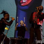 01_young-fathers-09