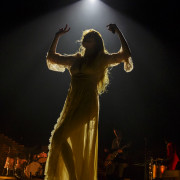02_florence-and-the-machine-13
