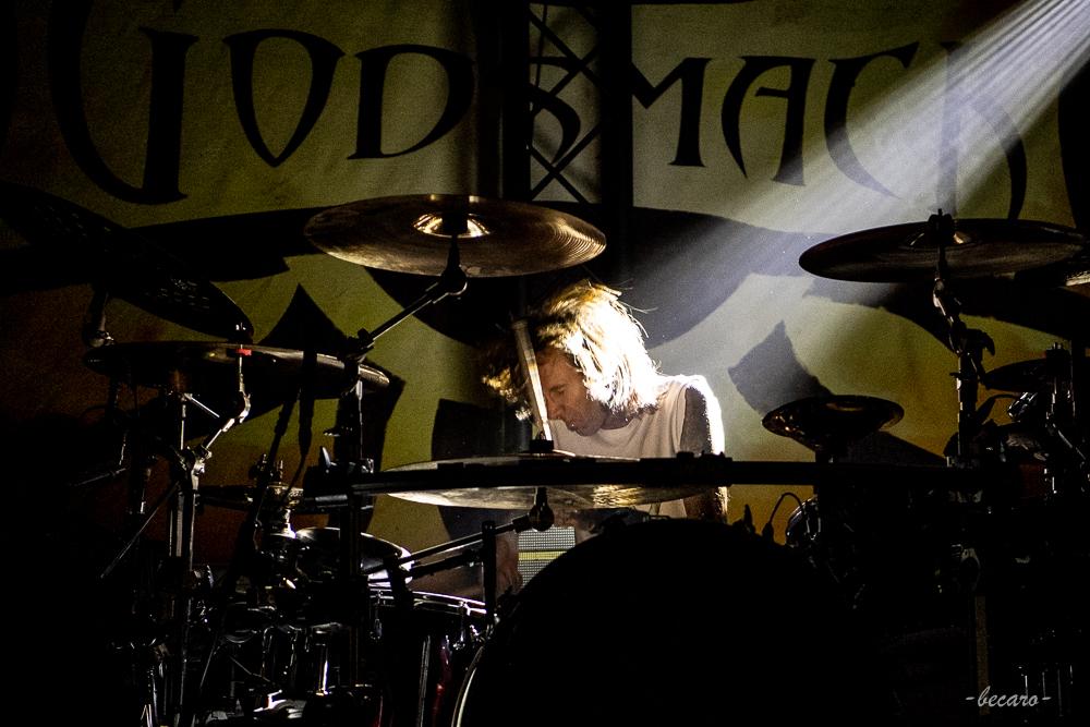 02-godsmackhauptband1-14