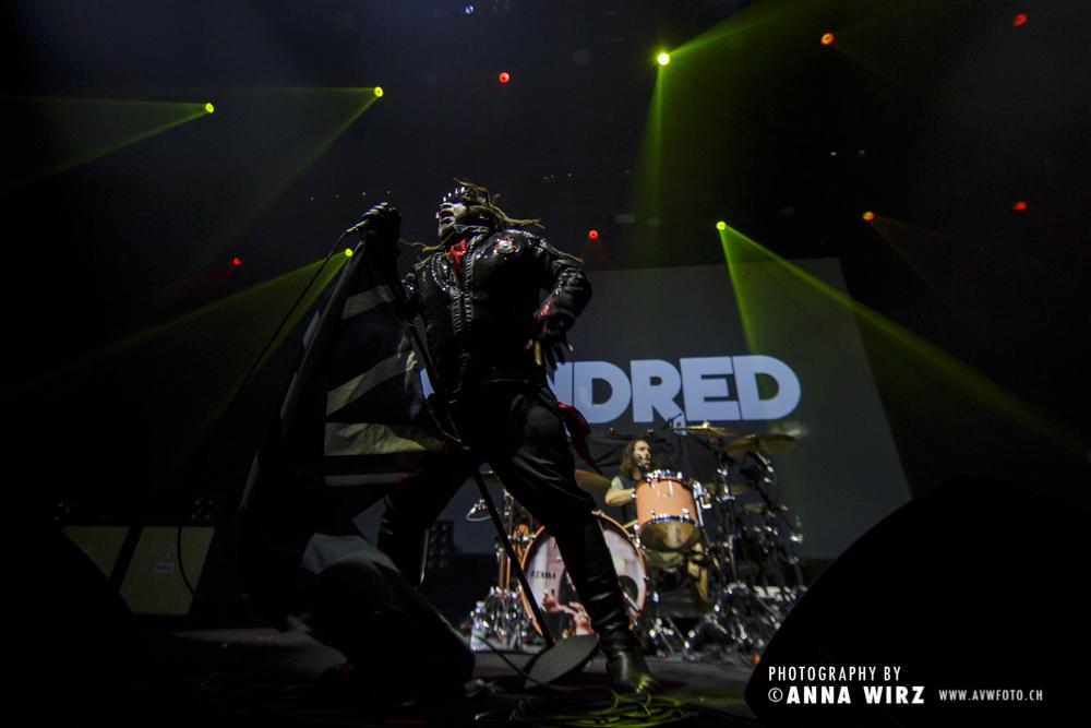 01_skindred-12