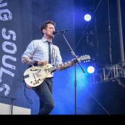 06-frank-turner-and-the-sleeping-souls-01