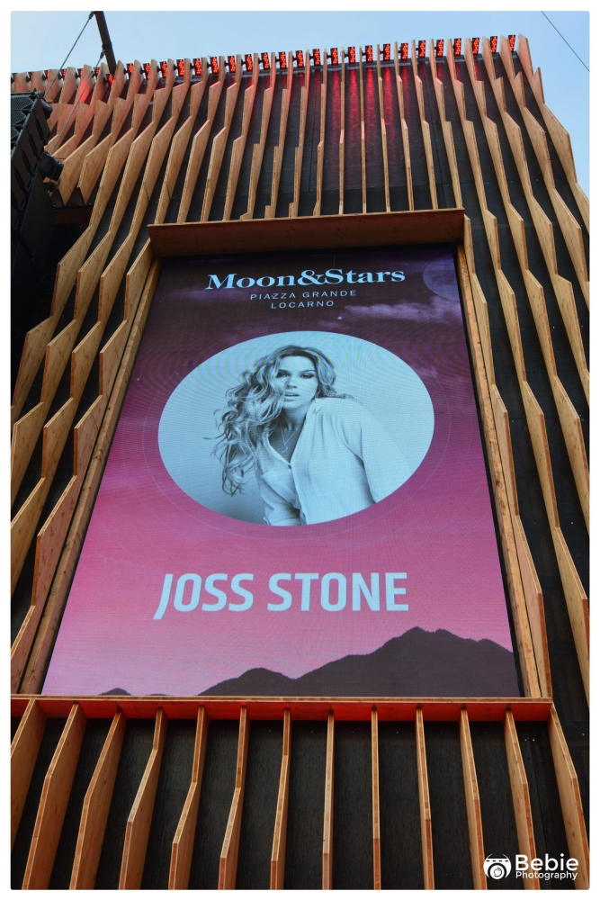 01-joss-stone-00