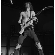 02-airbourne-04