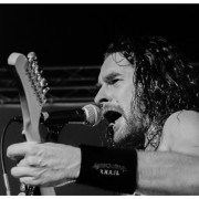 02-airbourne-18