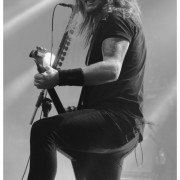 02-airbourne-23