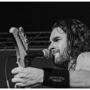 02-airbourne-24