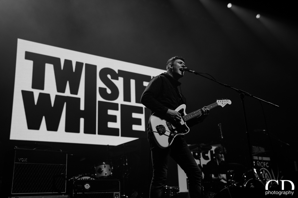 01-twisted-wheel-02