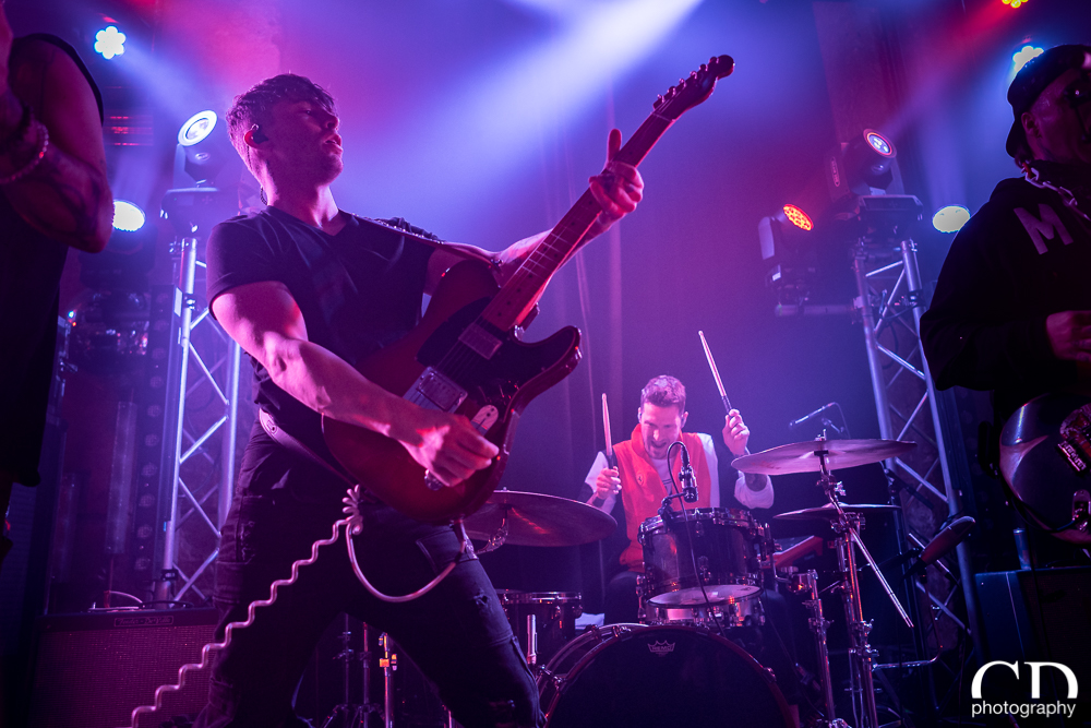 02-highly-suspect-22
