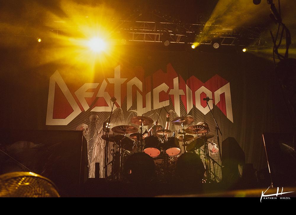 03-destruction-001